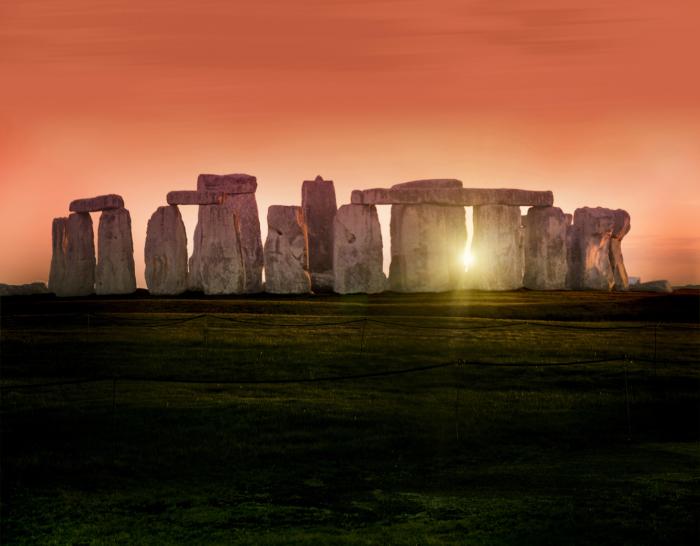 Загадочный Стоунхендж. / Фото: www.britishheritage.com